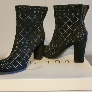 Black suede boots w studs